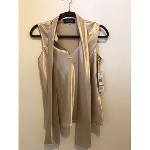 Tops - New gold top- with tags!